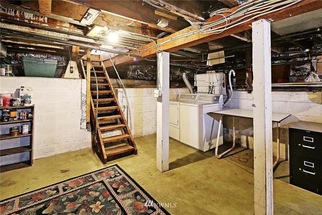 Sold Property   9020 32nd Avenue SW Seattle, WA 98126 10