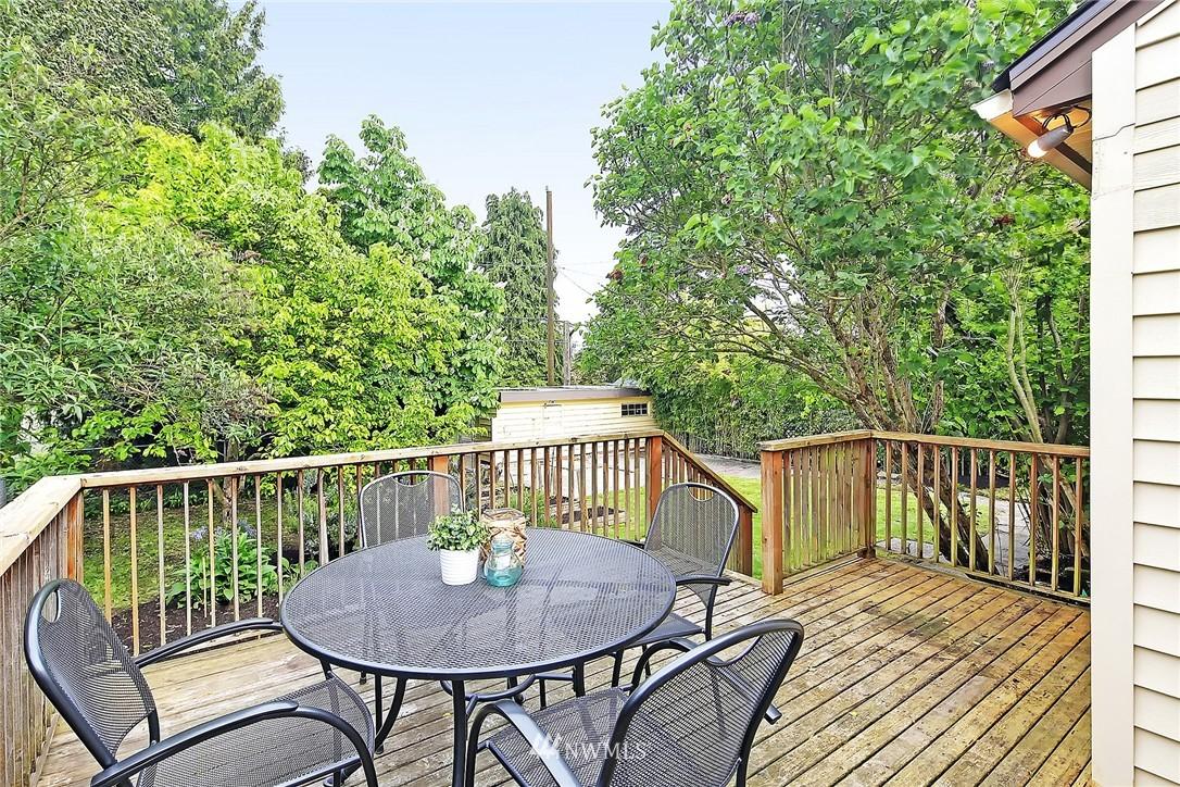 Sold Property   9020 32nd Avenue SW Seattle, WA 98126 11