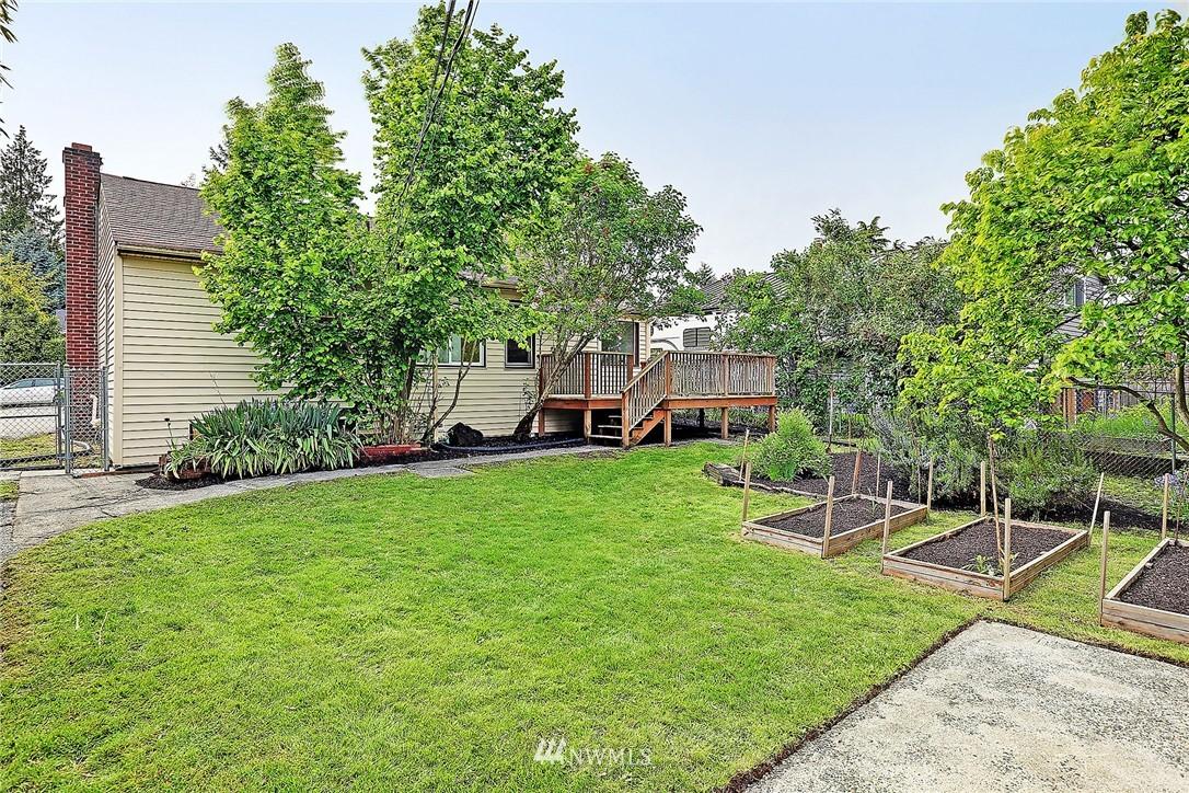 Sold Property   9020 32nd Avenue SW Seattle, WA 98126 12