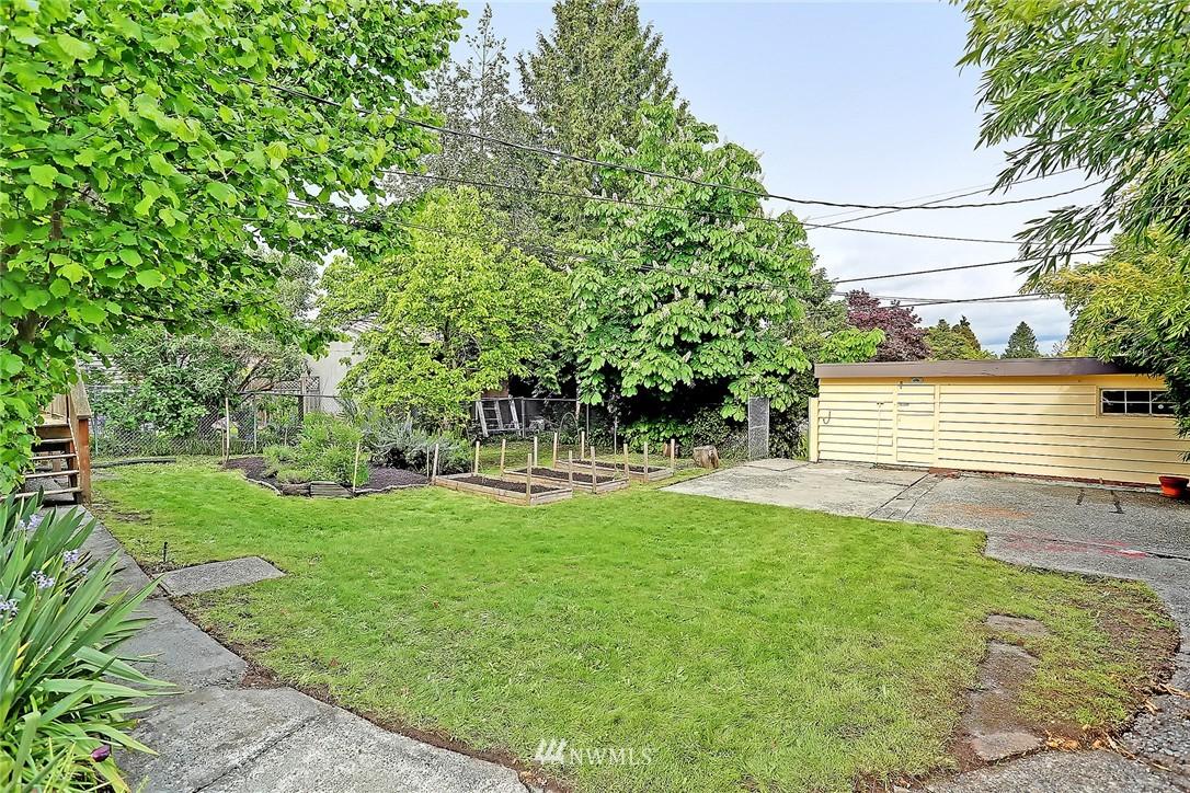 Sold Property   9020 32nd Avenue SW Seattle, WA 98126 13