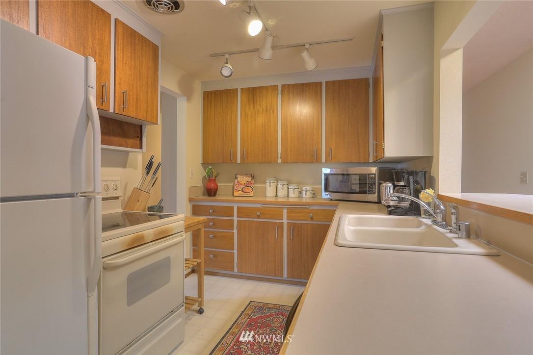 Sold Property | 5707 178th Street SW Lynnwood, WA 98037 3
