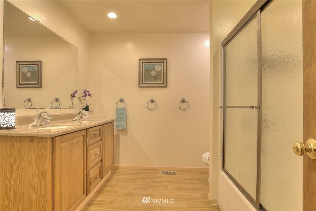Sold Property | 5707 178th Street SW Lynnwood, WA 98037 14