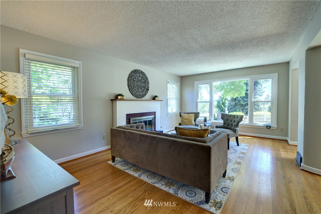 Sold Property | 3259 NE 98th Street Seattle, WA 98115 4