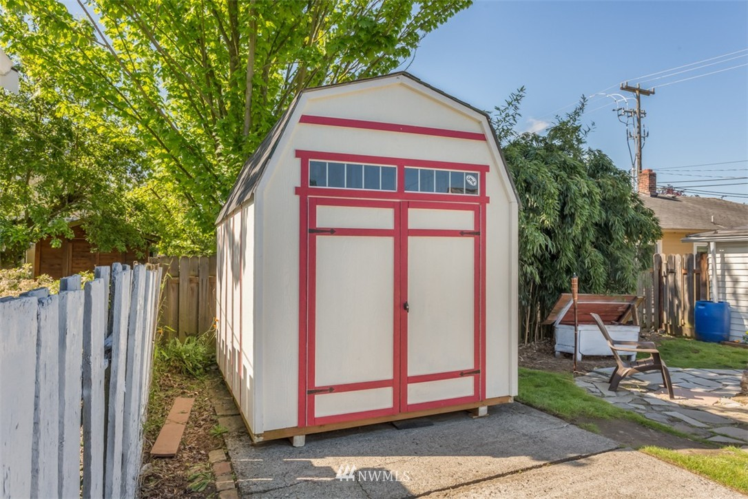 Sold Property   4514 6th Avenue NW Seattle, WA 98107 16