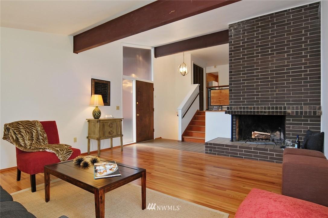 Sold Property | 2038 139th Place SE Bellevue, WA 98005 3