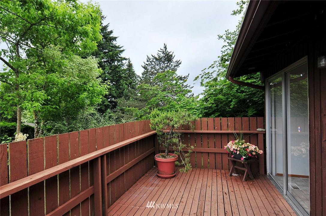 Sold Property | 2038 139th Place SE Bellevue, WA 98005 17