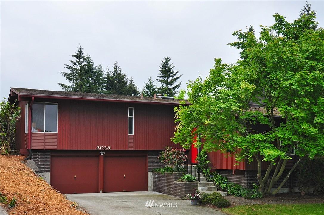 Sold Property | 2038 139th Place SE Bellevue, WA 98005 0