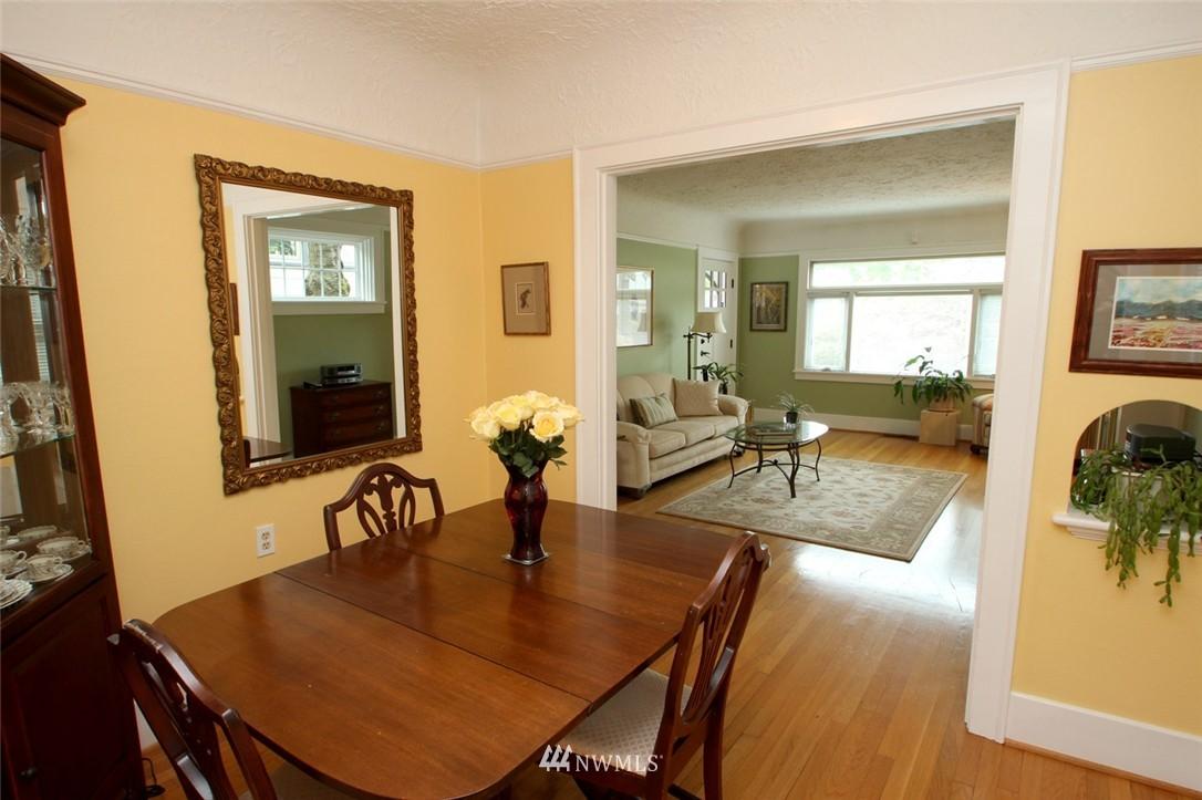 Sold Property | 6230 25th Avenue NE Seattle, WA 98115 5