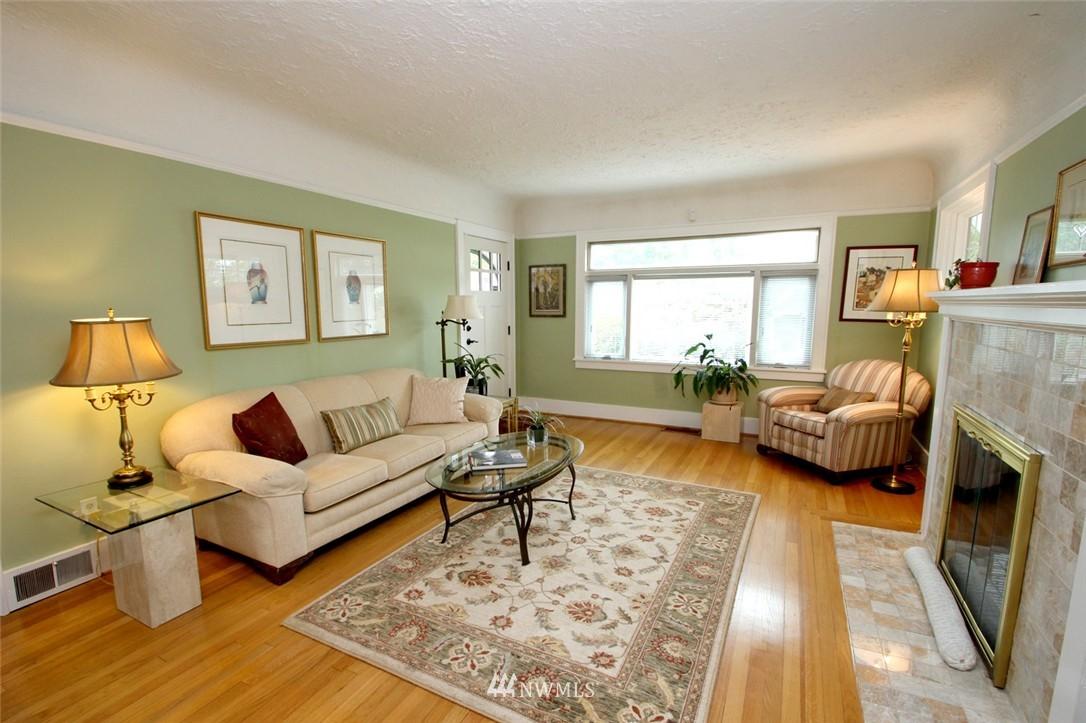 Sold Property | 6230 25th Avenue NE Seattle, WA 98115 3