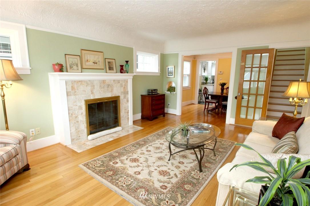 Sold Property | 6230 25th Avenue NE Seattle, WA 98115 4