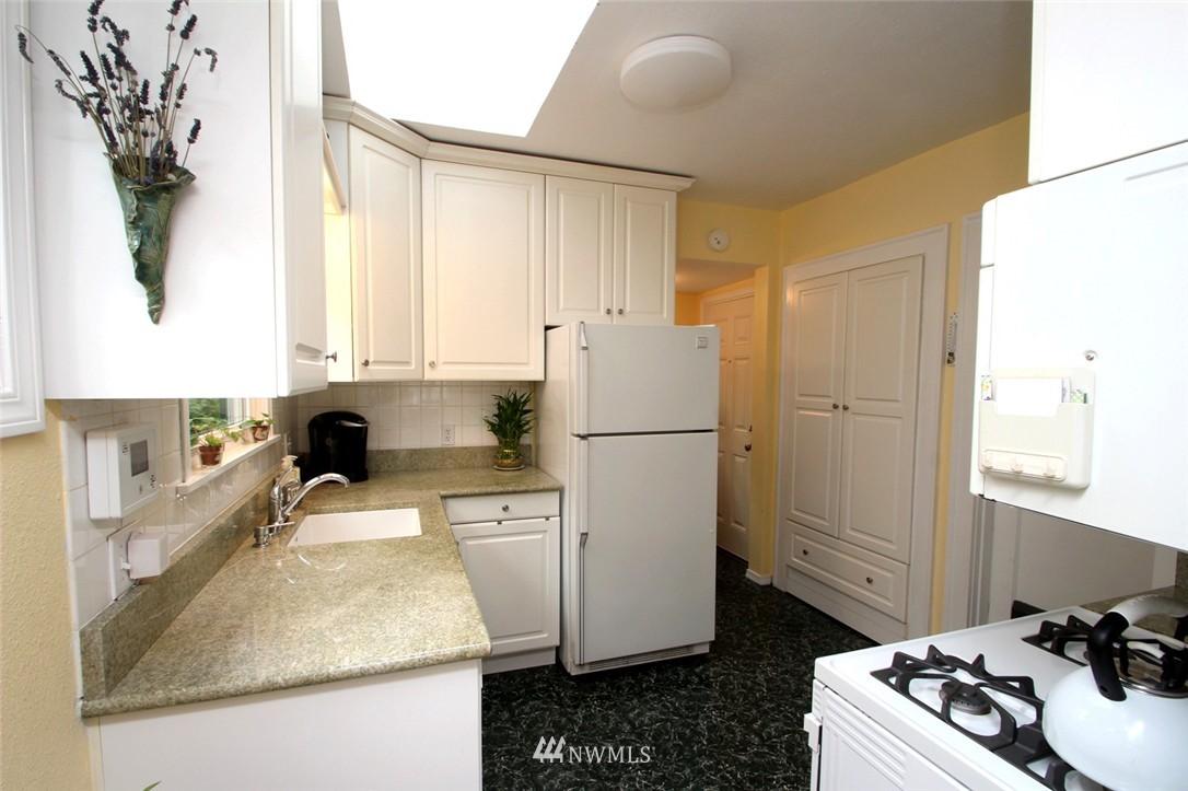Sold Property | 6230 25th Avenue NE Seattle, WA 98115 8