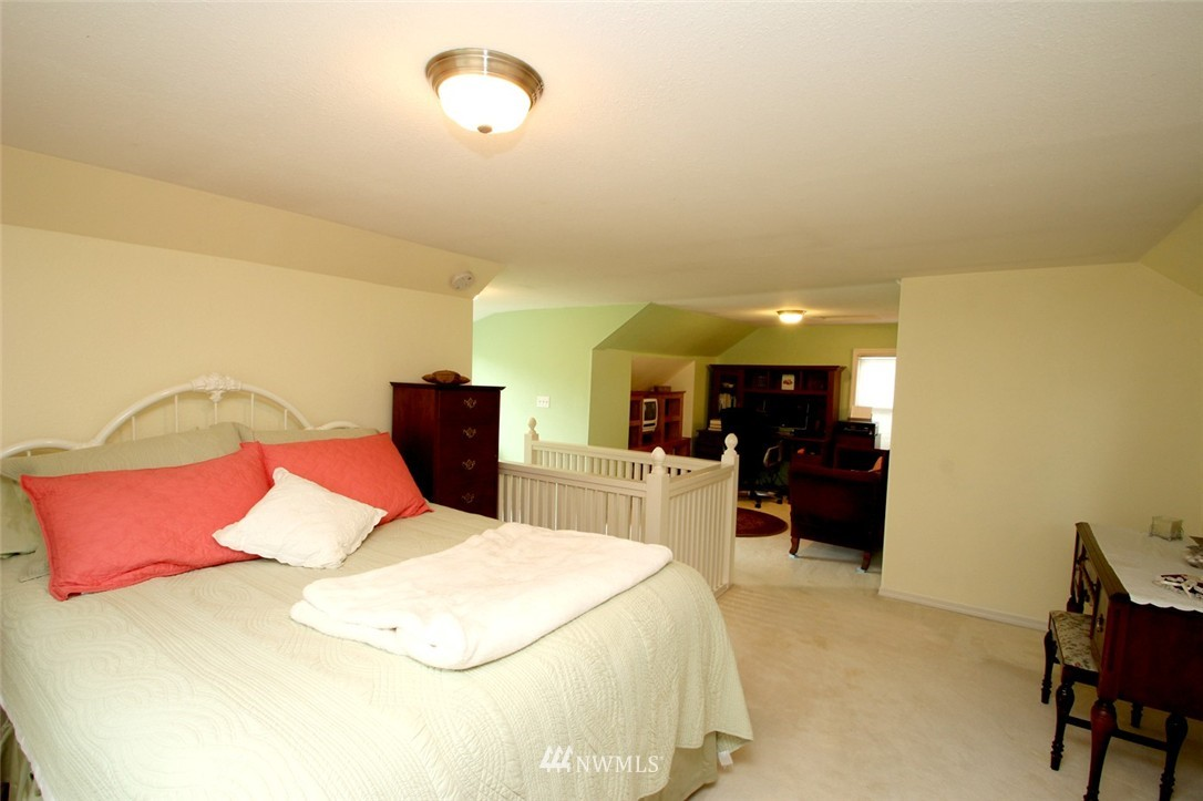 Sold Property | 6230 25th Avenue NE Seattle, WA 98115 13