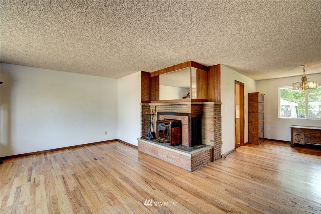 Sold Property   821 NE 152nd Street Shoreline, WA 98155 5