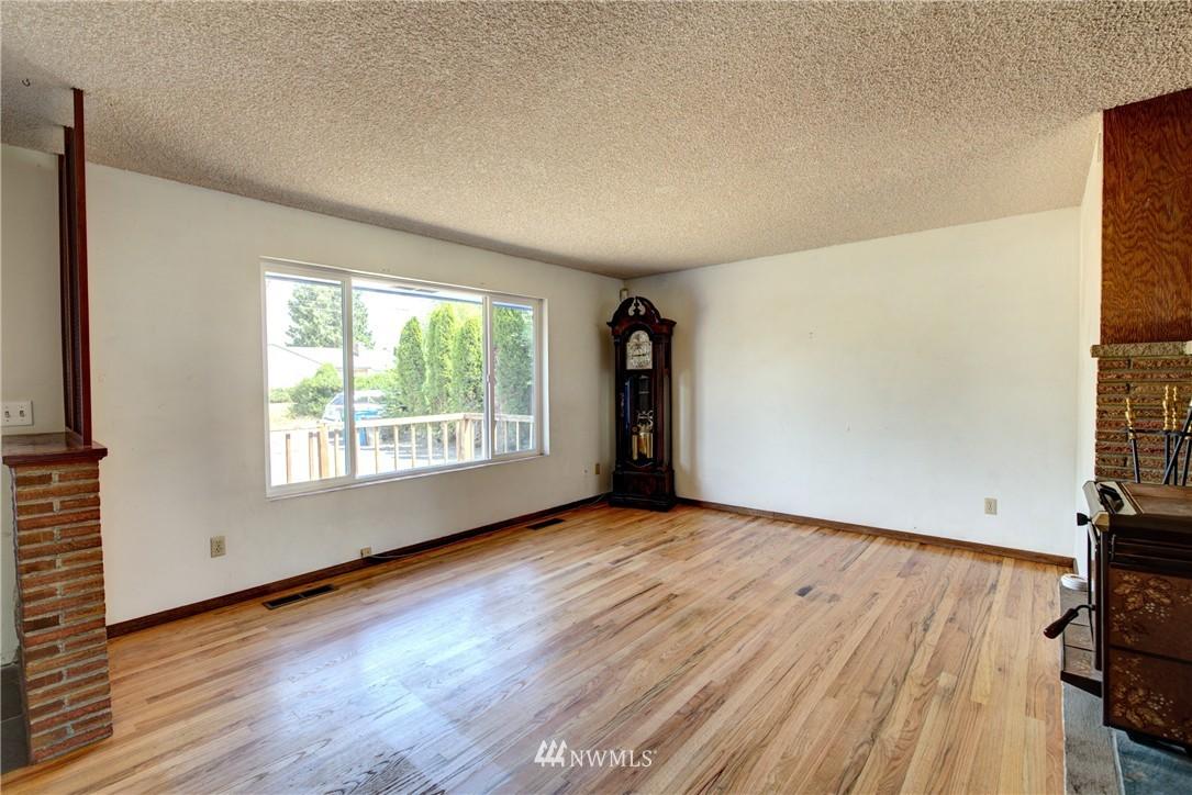 Sold Property   821 NE 152nd Street Shoreline, WA 98155 6