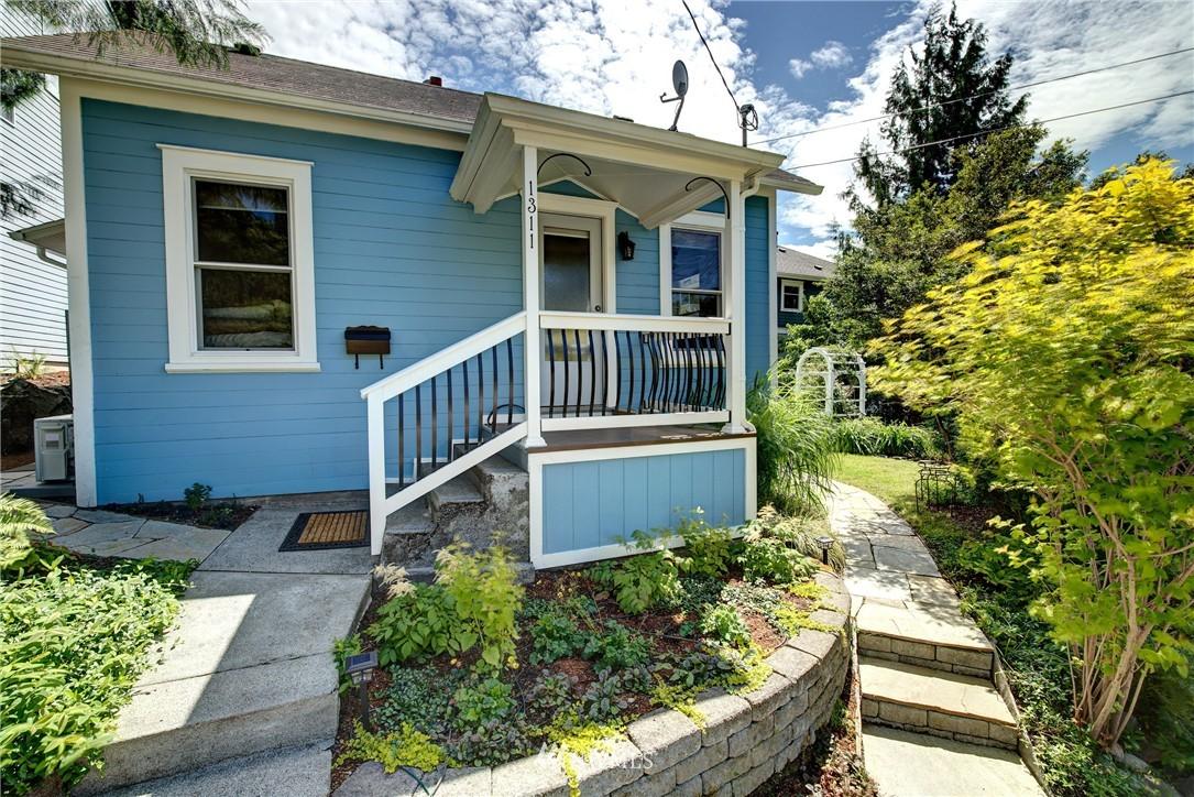 Sold Property | 1311 W Newton Street Seattle, WA 98119 0