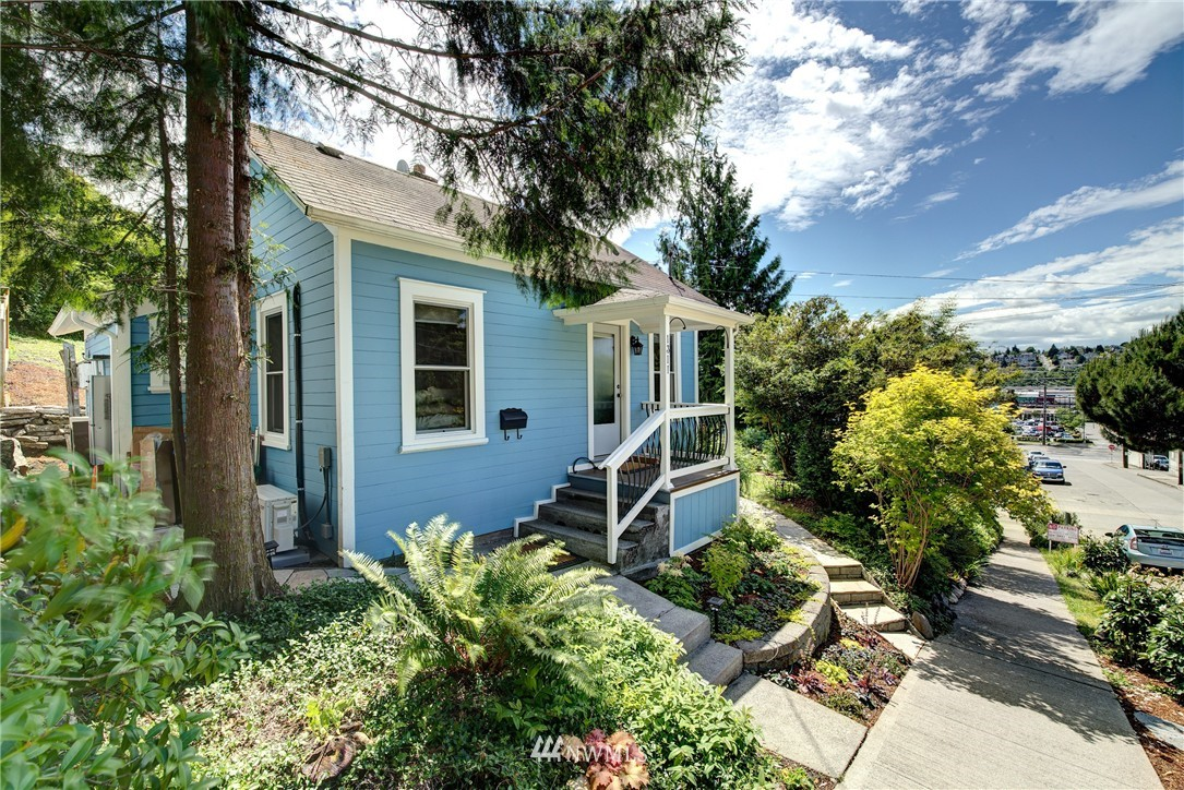 Sold Property | 1311 W Newton Street Seattle, WA 98119 1
