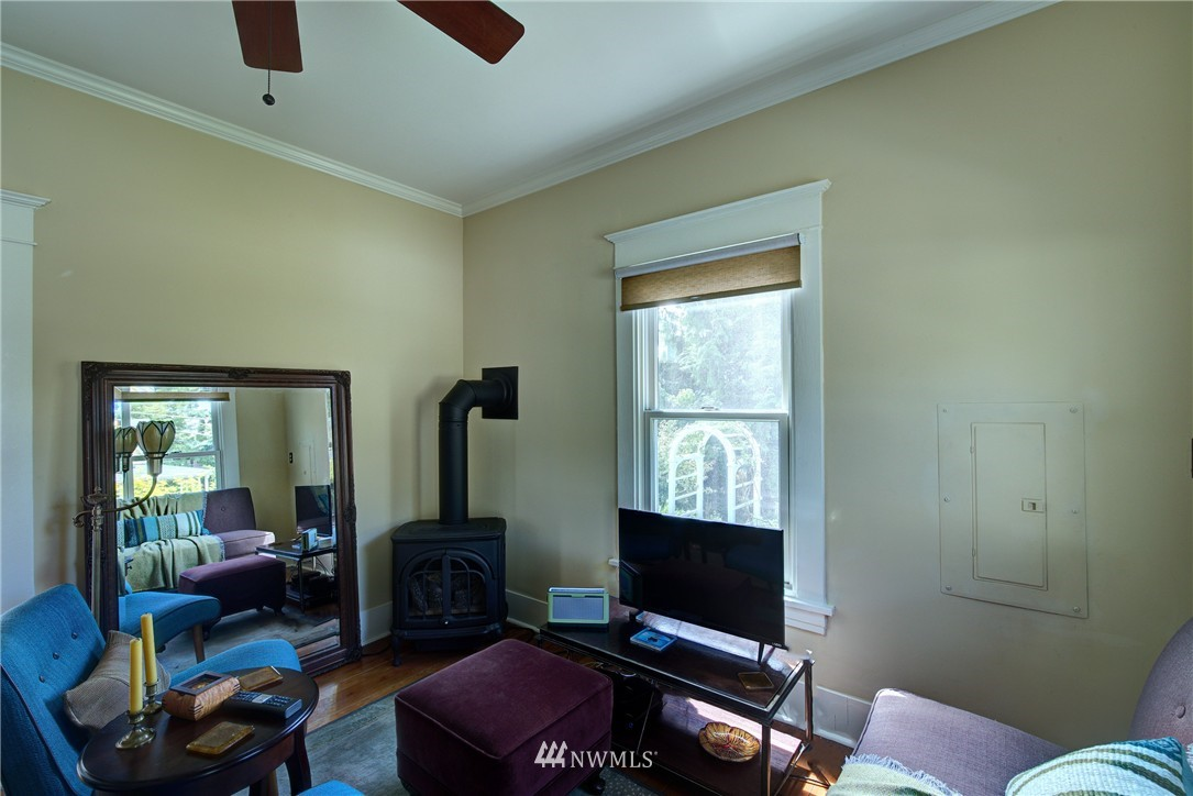 Sold Property | 1311 W Newton Street Seattle, WA 98119 2