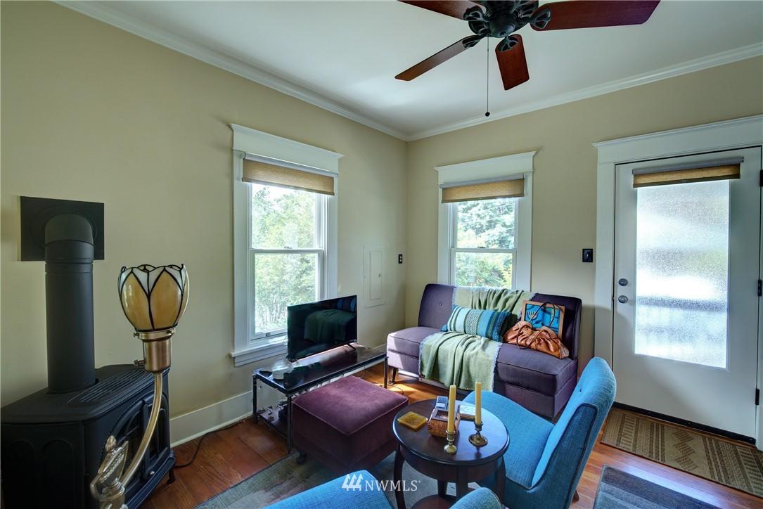 Sold Property | 1311 W Newton Street Seattle, WA 98119 3