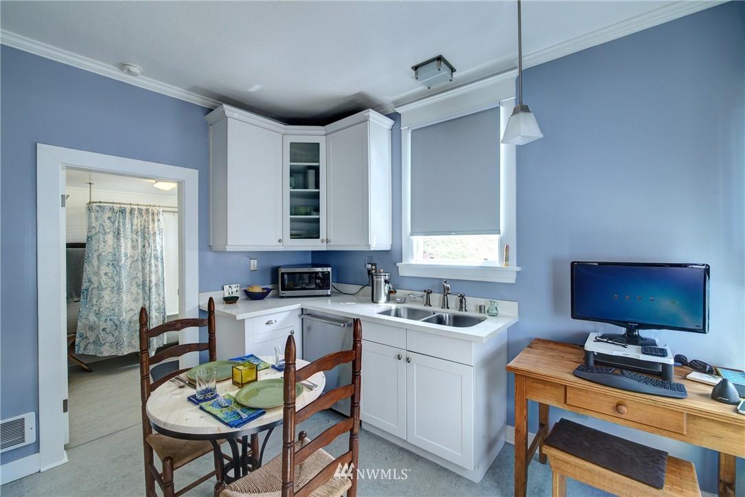 Sold Property | 1311 W Newton Street Seattle, WA 98119 5