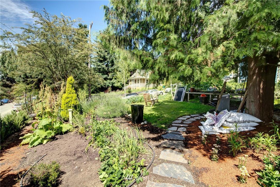 Sold Property | 1311 W Newton Street Seattle, WA 98119 12