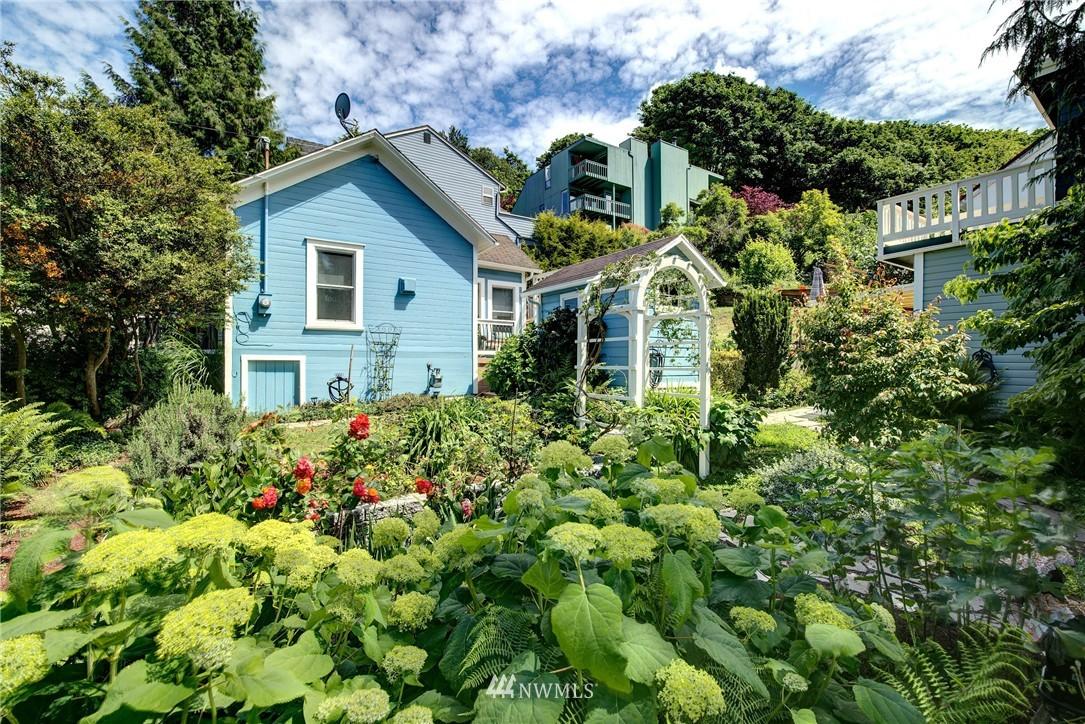 Sold Property | 1311 W Newton Street Seattle, WA 98119 14