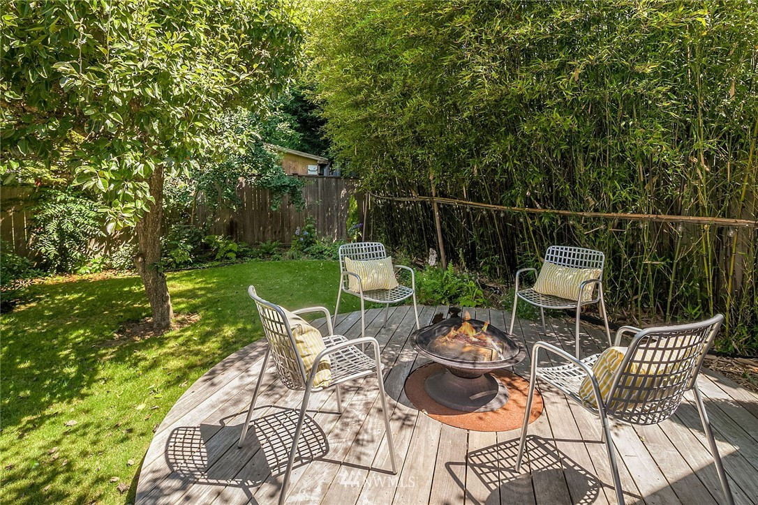 Sold Property   5820 6th Avenue NW Seattle, WA 98107 22