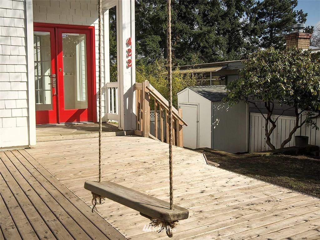 Sold Property | 422 W Raye Street Seattle, WA 98119 2
