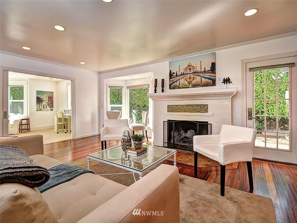 Sold Property | 422 W Raye Street Seattle, WA 98119 3