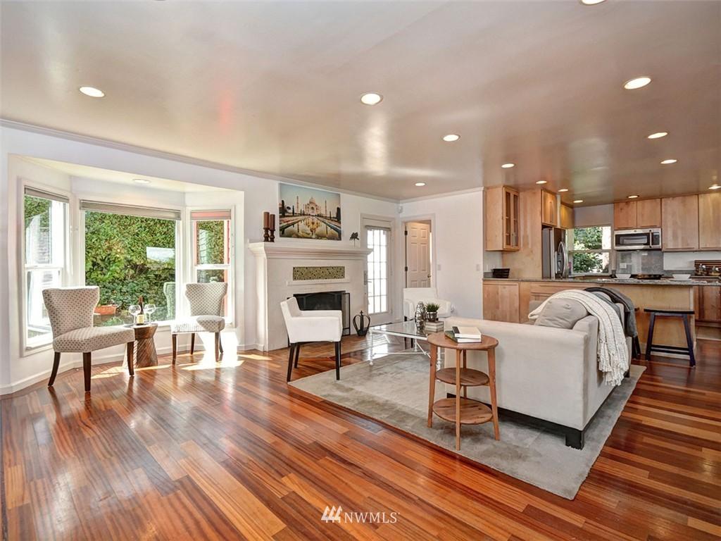 Sold Property | 422 W Raye Street Seattle, WA 98119 4