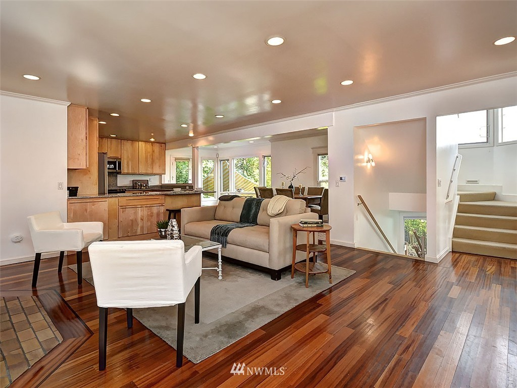 Sold Property | 422 W Raye Street Seattle, WA 98119 5