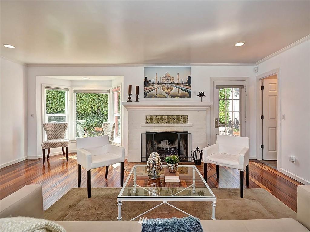 Sold Property | 422 W Raye Street Seattle, WA 98119 6