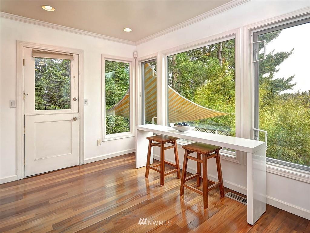 Sold Property | 422 W Raye Street Seattle, WA 98119 10