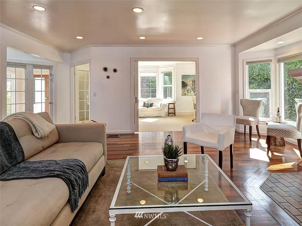 Sold Property | 422 W Raye Street Seattle, WA 98119 11