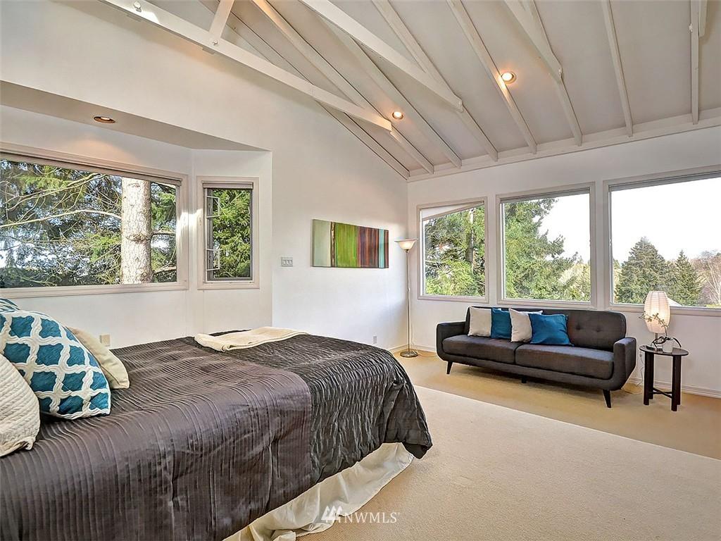 Sold Property | 422 W Raye Street Seattle, WA 98119 15