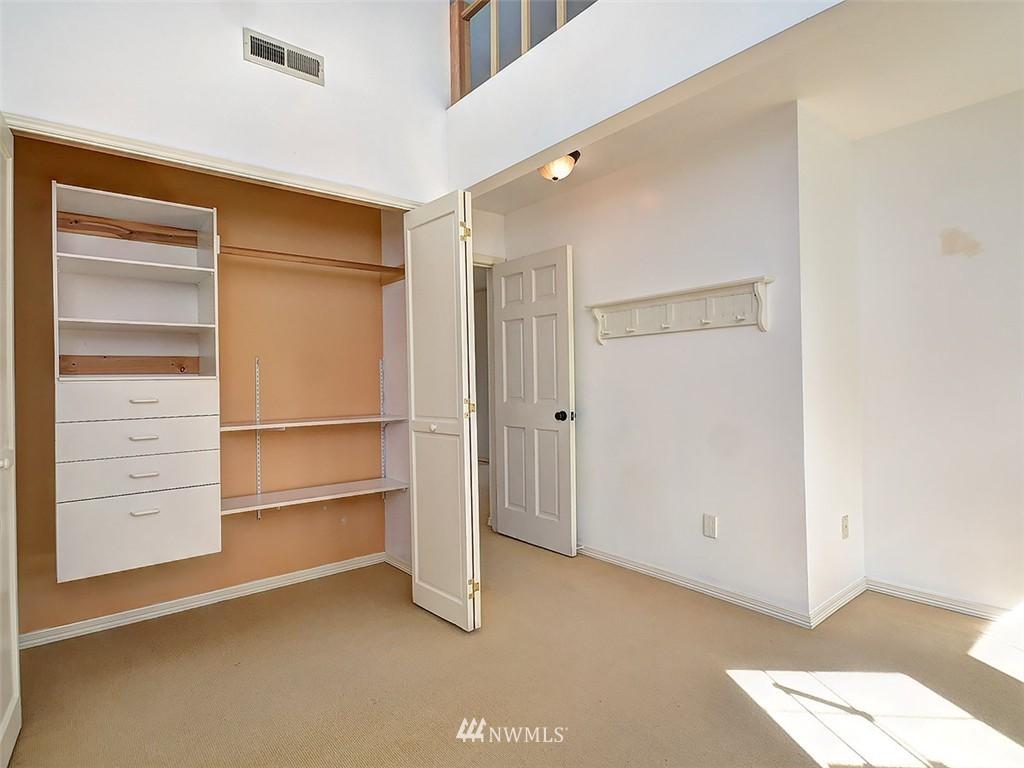 Sold Property | 422 W Raye Street Seattle, WA 98119 19