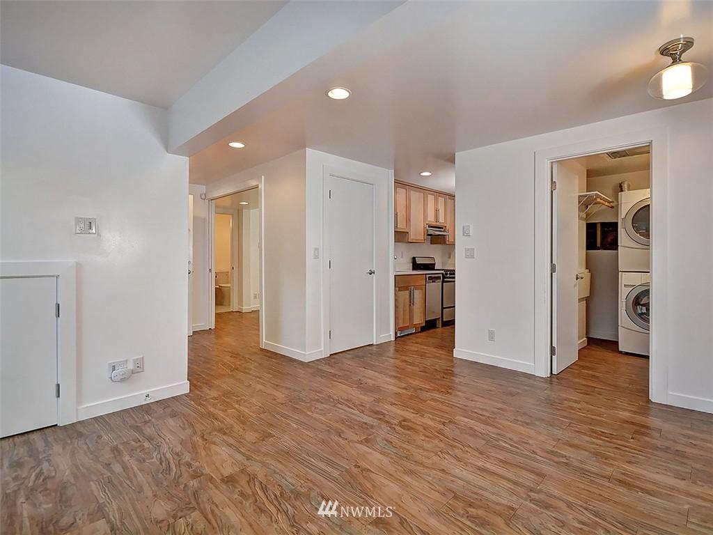 Sold Property | 422 W Raye Street Seattle, WA 98119 21