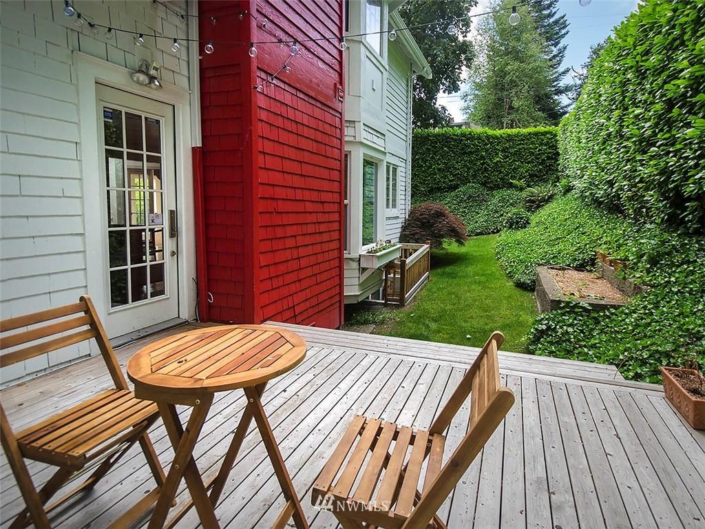 Sold Property | 422 W Raye Street Seattle, WA 98119 1