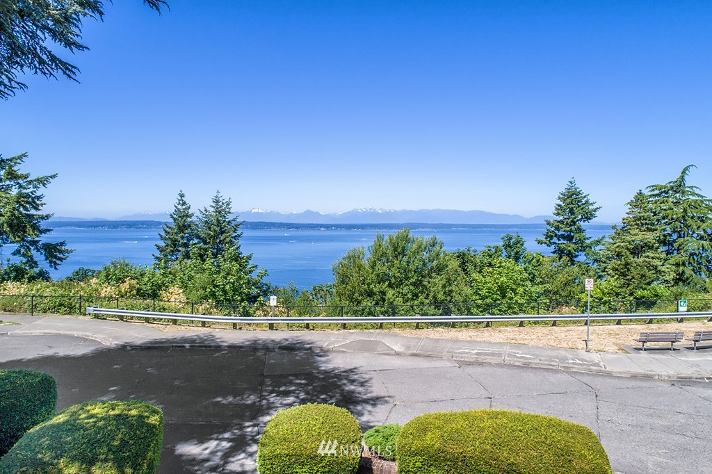 Sold Property | 7552 34th Avenue NW Seattle, WA 98117 2