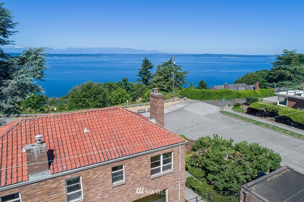 Sold Property | 7552 34th Avenue NW Seattle, WA 98117 4
