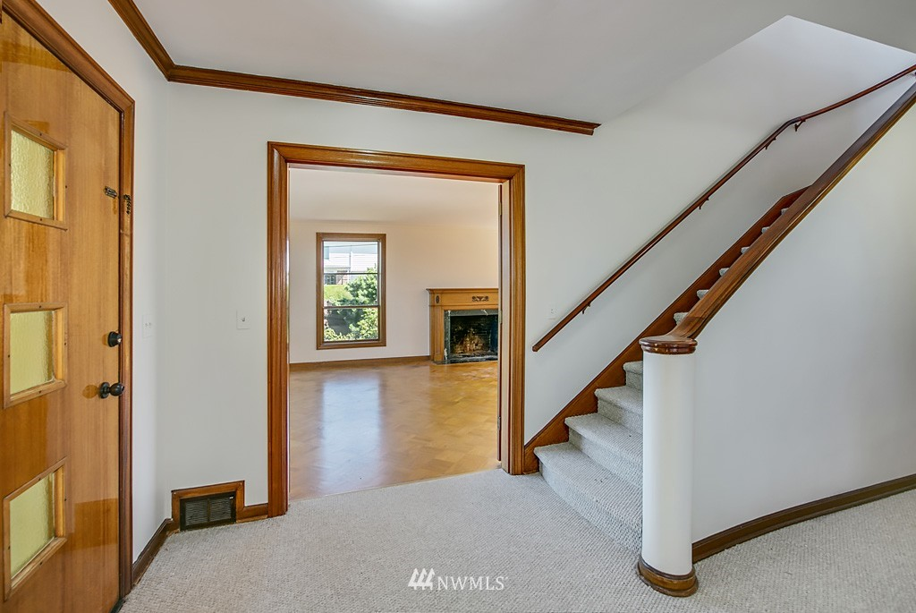 Sold Property | 7552 34th Avenue NW Seattle, WA 98117 5