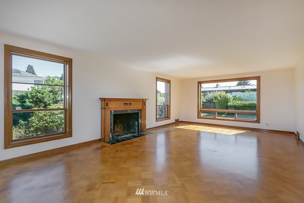 Sold Property | 7552 34th Avenue NW Seattle, WA 98117 6