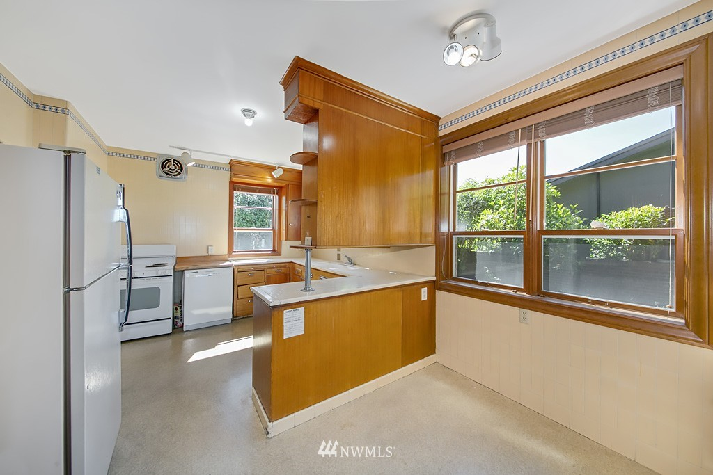 Sold Property | 7552 34th Avenue NW Seattle, WA 98117 8