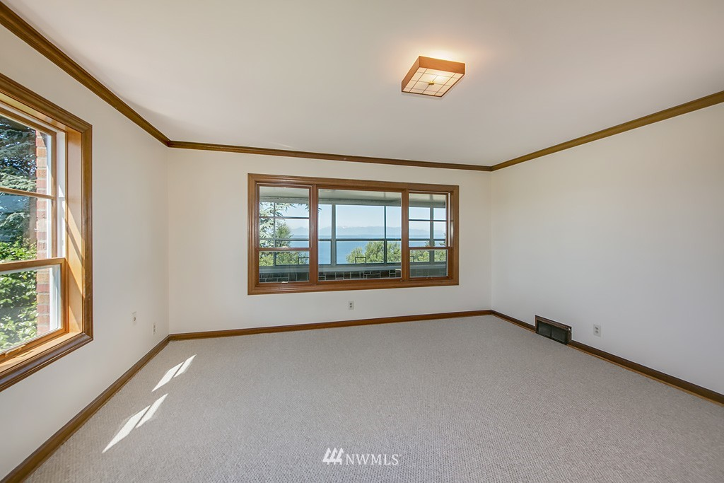 Sold Property | 7552 34th Avenue NW Seattle, WA 98117 12