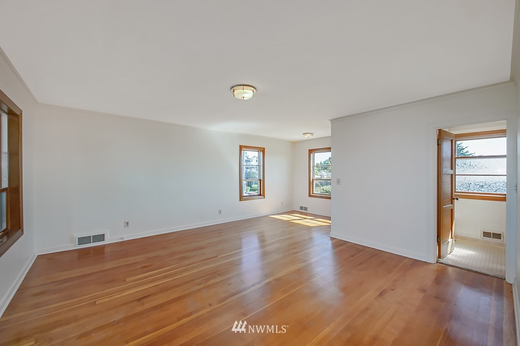 Sold Property | 7552 34th Avenue NW Seattle, WA 98117 13