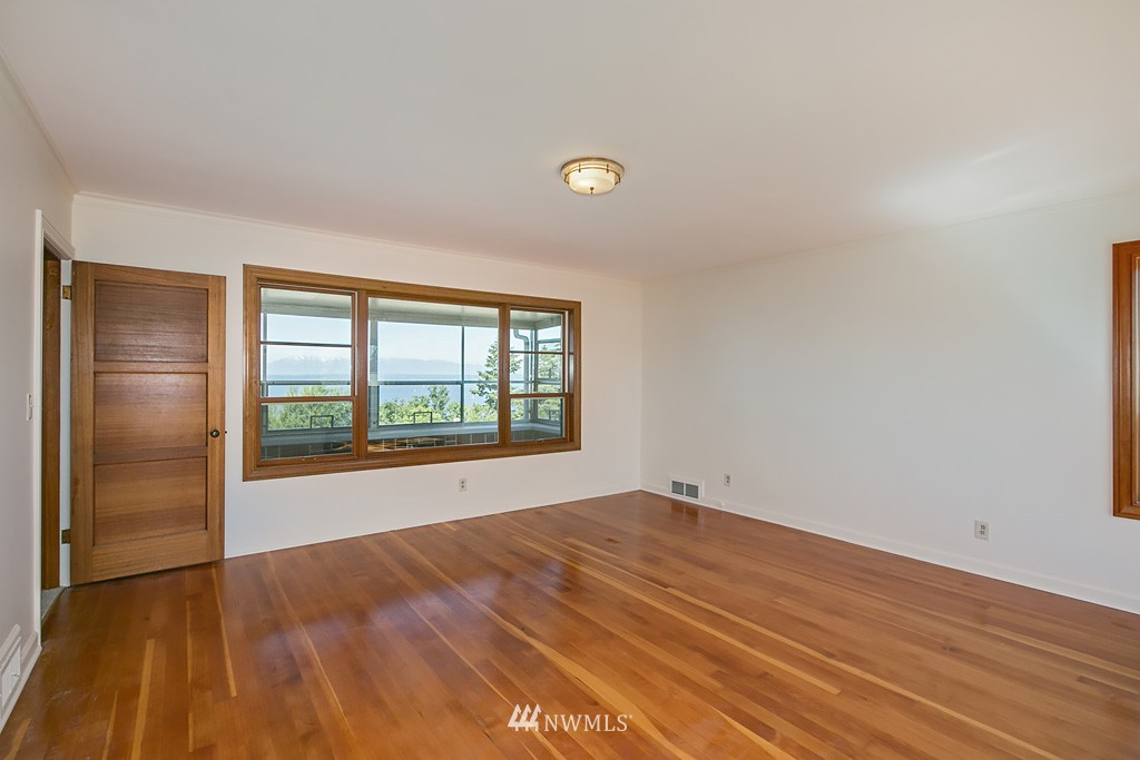 Sold Property | 7552 34th Avenue NW Seattle, WA 98117 15