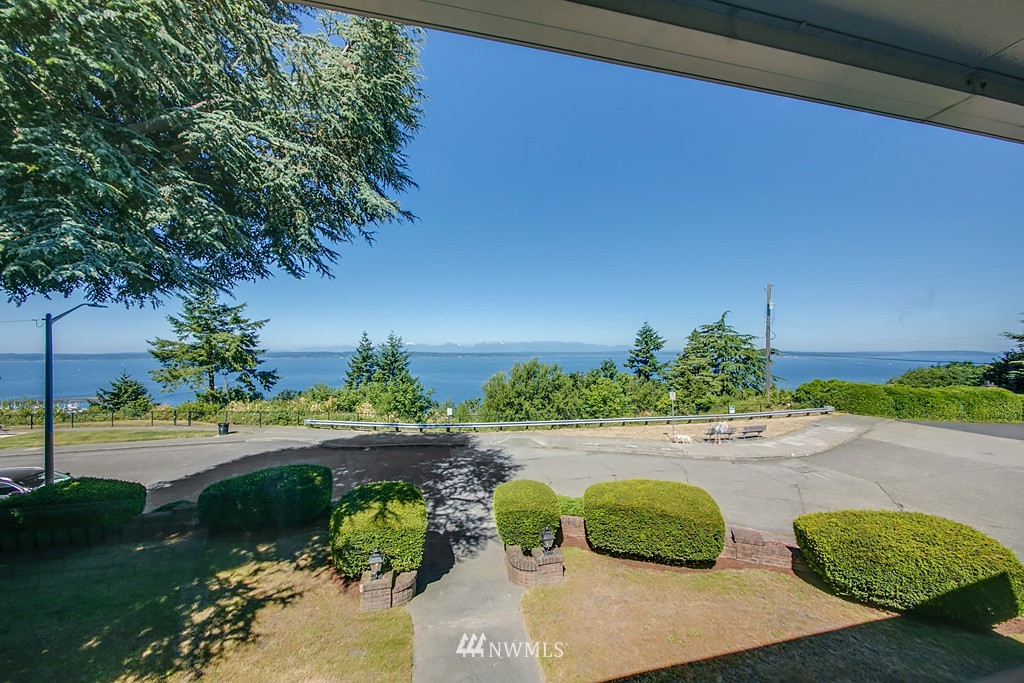 Sold Property | 7552 34th Avenue NW Seattle, WA 98117 17