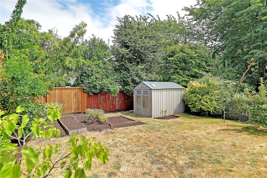 Sold Property | 6546 12th Avenue NW Seattle, WA 98117 16