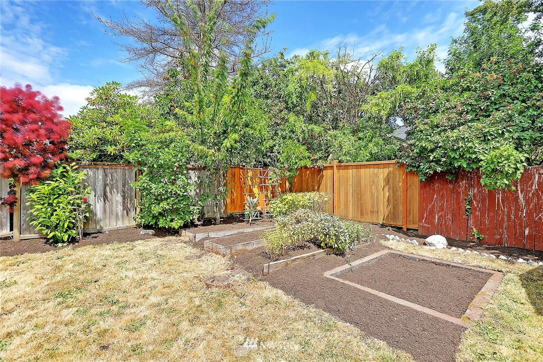 Sold Property | 6546 12th Avenue NW Seattle, WA 98117 17