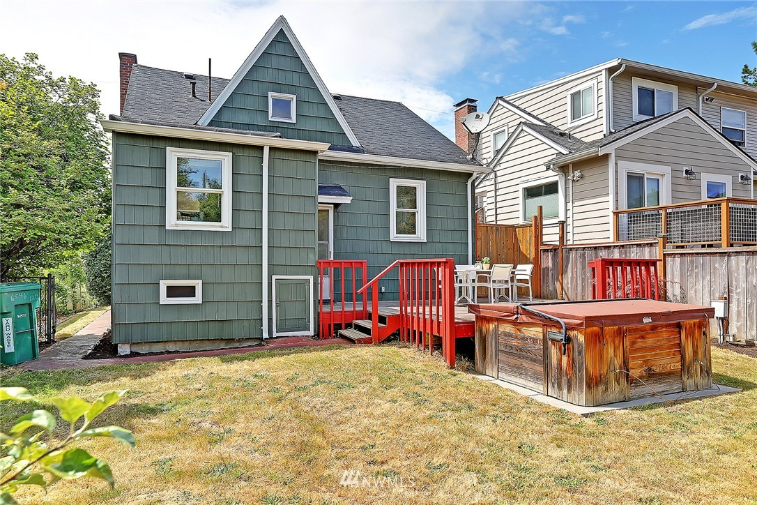 Sold Property | 6546 12th Avenue NW Seattle, WA 98117 18