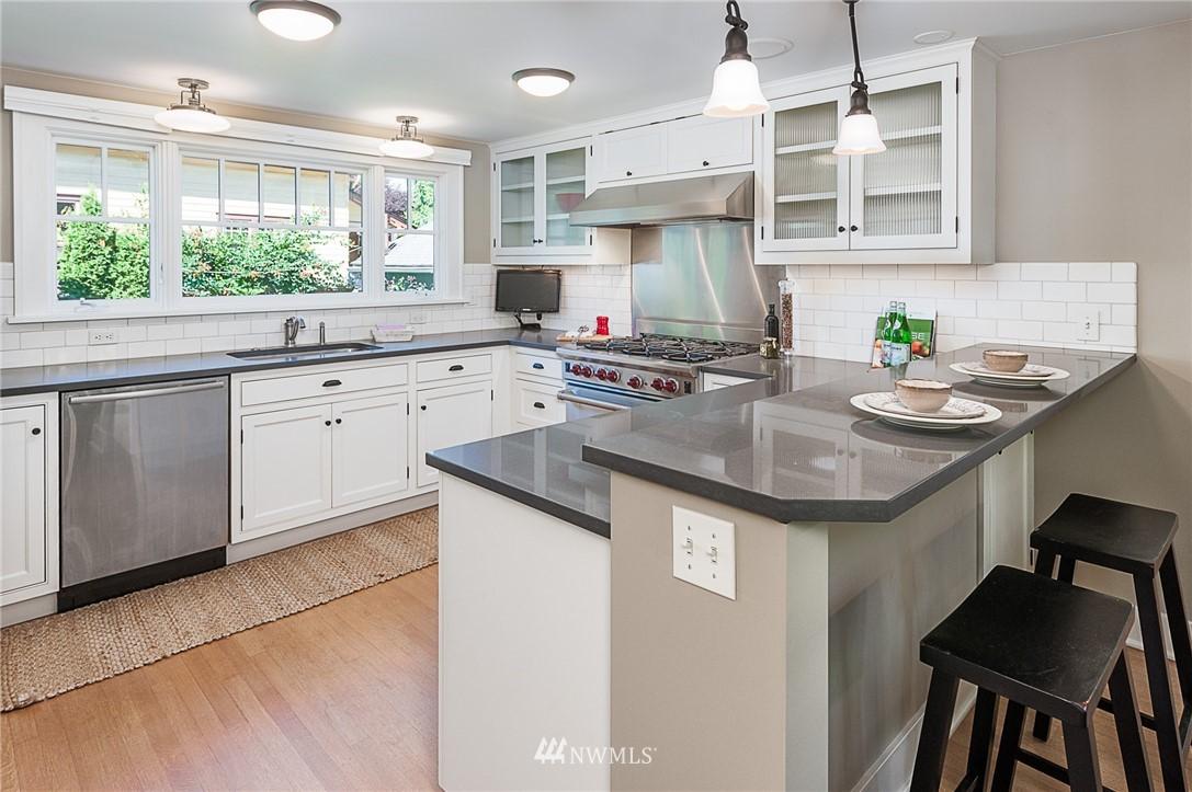 Sold Property | 743 N 72nd Street Seattle, WA 98103 4